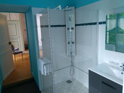 Chambre d'hote Indre-et-Loire - Une salle de bains typique