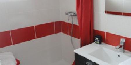 Au Cadran Solaire Salle de bain chambre 1er étage