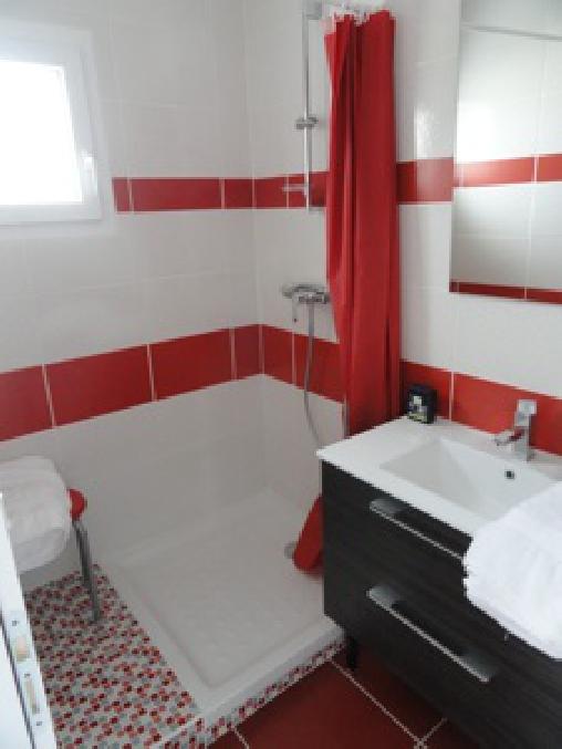 Salle de bain chambre 1er étage