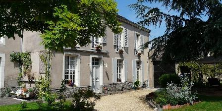 5 Grande Rue 5 Grande Rue, Chambres d`Hôtes Le Lude (72)