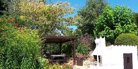 La Petite Guyonnière Private terrace for Le Marronnier