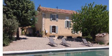 Le Domaine Saint Jean Le Domaine Saint Jean, Chambres d`Hôtes Saint Saturnin Les Apt (84)