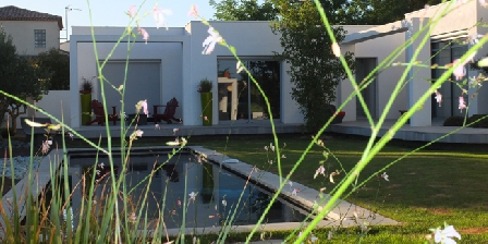 La Clef des Trois Filles  La Clef des Trois Filles villa bord de mer 3 chambres d'hôtes B&B, Chambres d`Hôtes Grau D'agde (34)