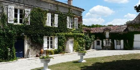 Domaine de Fauveau Domaine de Fauveau, Chambres d`Hôtes Razc Sur L'isle (24)