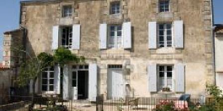 La Petite Garde La Petite Garde, Chambres d`Hôtes Villiers-en-plaine (79)