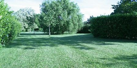 Au Bois des Tilleuls Au Bois des Tilleuls, Chambres d`Hôtes Landrais (17)