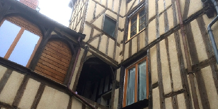 La Maison du Théâtre  Chambre D'Hôte du Théâtre Saint Bonnet, Chambres d`Hôtes Bourges (18)