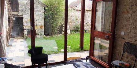 La Mona Guest House La Mona Guest House, Chambres d`Hôtes Limetz-villez (78)