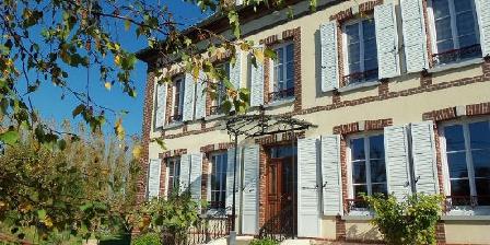 Les 8 Tilleuls Les Tilleuls, Chambres d`Hôtes Bazincourt Sur Epte (27)
