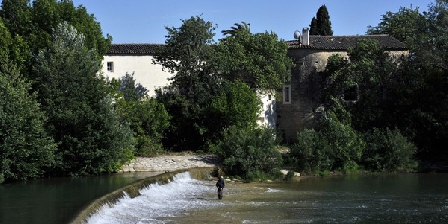 Le Moulin de St Laurent Le Moulin de St Laurent, Chambres d`Hôtes Saint Laurent D'Aigouze (30)