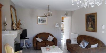 A La Maison Jaune A La Maison Jaune, Chambres d`Hôtes Appoigny (89)