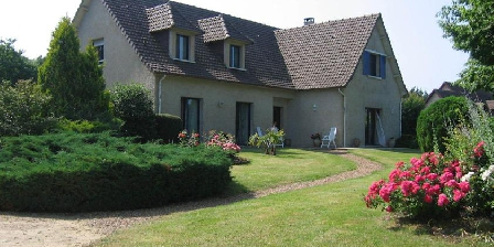 La Villa de Sandrine La Villa de Sandrine, Chambres d`Hôtes Parigne L'Eveque (72)