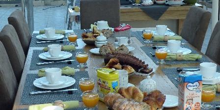 Maison Les Fraysses Le petit déjeuner