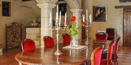 Château Maison Noble Véranda du Château Maison Noble, Chambres d`Hôtes Saint-martin-du-puy (33)