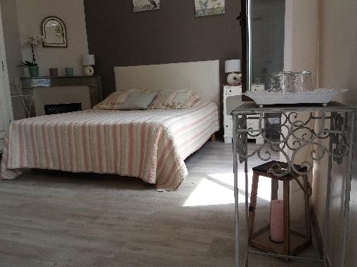 Chambre d'hote Vaucluse - Le Domaine De Tini, Chambres d`Hôtes Violès (84)