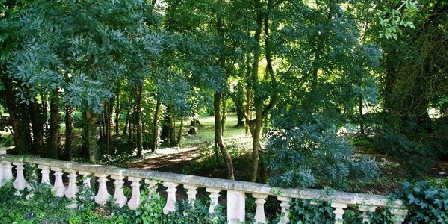 Chambre d'hotes Domaine de Pladuc > Domaine de Pladuc, Chambres d`Hôtes Lachaise (16)