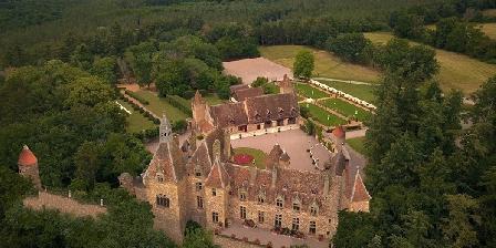 Château de Peufeilhoux Château de Peufeilhoux, Chambres d`Hôtes Vallon En Sully (03)