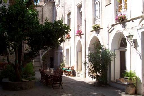 Chambre d'hote Pyrénées-Orientales - Maisonhoteslorangerie, Chambres d`Hôtes Rivesaltes (66)