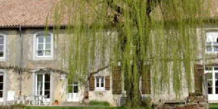 La maison de Marie-Claire La maison de Marie-Claire, Chambres d`Hôtes Doncourt-sur-Meuse (52)
