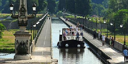 Les Sassiers Pont canal de Briare