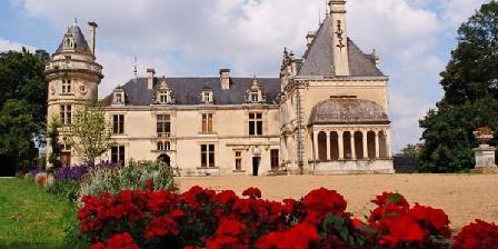 Château de La Court D'Aron Château de La Court D'aron, Chambres d`Hôtes Saint Cyr En Talmondais (85)