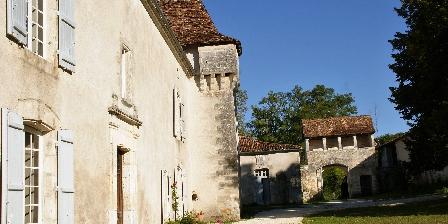 Château de La Combe Château de La Combe, Chambres d`Hôtes de charme en Périgord