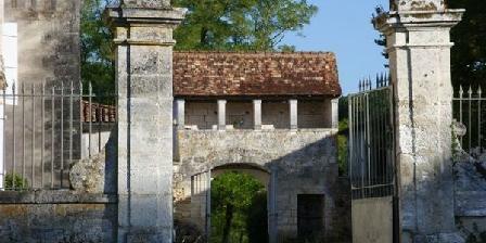 Château de La Combe Château de La Combe, Chambres d`Hôtes Puyrenier (24)