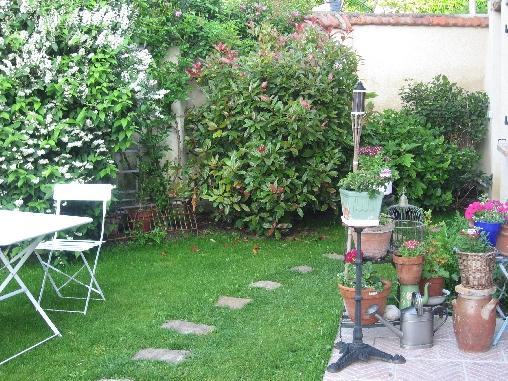 Chambre d'hote Eure-et-Loir - le jardin devant la location