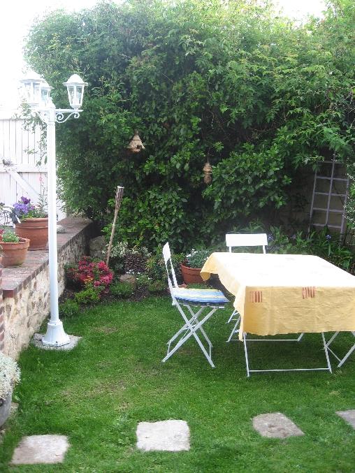 Chambre d'hote Eure-et-Loir - le repas dans le jardin