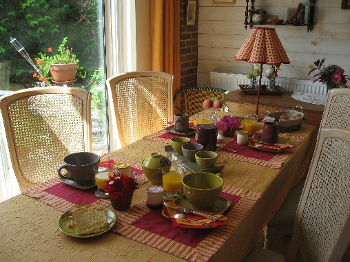 Chambre d'hote Eure-et-Loir - le repas dans la pièce d evie