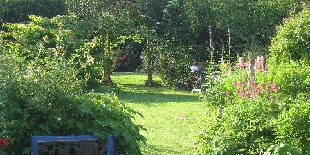 Location de Vacances de la Roguenette Le jardin
