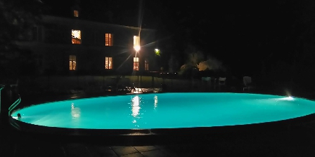 La Chancellerie The pool at night