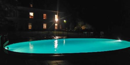 La Chancellerie La piscine la nuit
