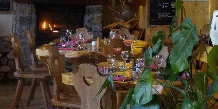 Gite Gîte Auberge La Soulan > La salle de restaurant
