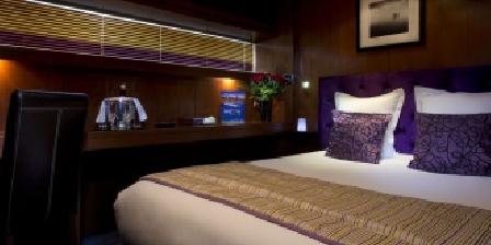 Vip Paris Yacht Hotel