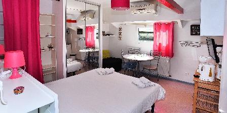 Location insolite studio péniche au coeur de Lyon  Cabine 4