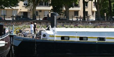 Studio péniche au bord de la Saone à Lyon