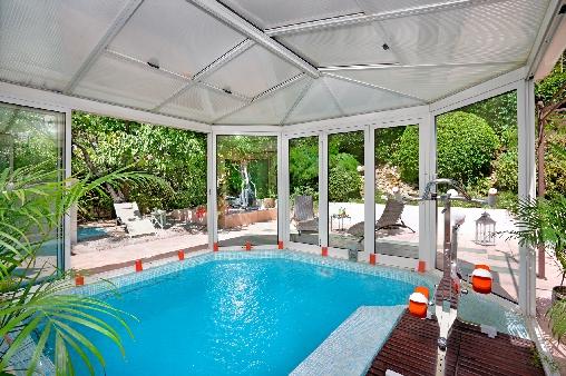 piscine chauffée, nage contre courant, bains à remous, aquabike