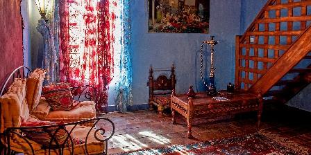 Maison de Famille en Drome Ardeche Canopy bed room