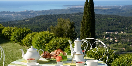 BnB Bastide des Pins Breakfast