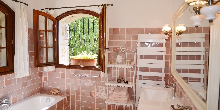 BnB Bastide des Pins Azur Bathroom