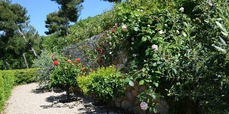 BnB Bastide des Pins Allée des rosiers