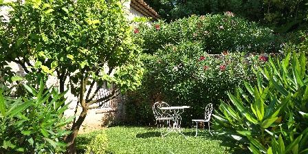 Gîte Bastide des Pins Jardin