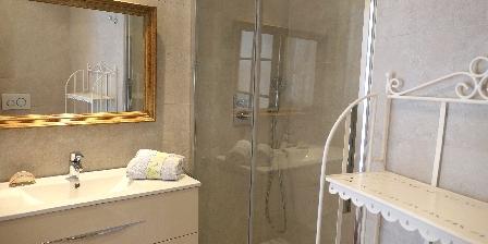 Gîte Bastide des Pins Salle de bain