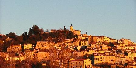 Gite Ma Vie La > vue sur le village de Fayence