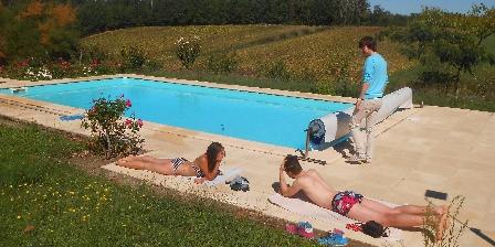 Tournonzen Gîte Acacia La piscine