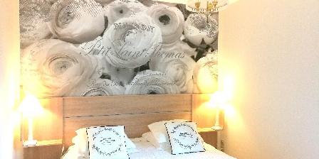 Gite Au Cadran Solaire > la chambre, lit grand confort, 160 cm de largeur
