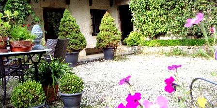 Gite Au Cadran Solaire > la maison coté parc