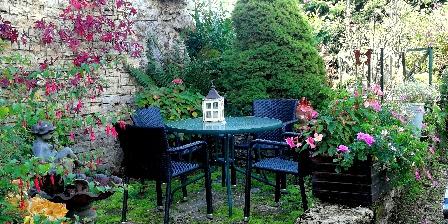 Gite Au Cadran Solaire > une des  terrasses indépendantes