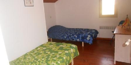 Tournonzen Gîte Prunier Un chambre 2 lits séparés